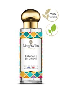Parfum 30ml Escapade en orient de la marque Margot&Tita. Senteur orientale composée en tête de bergamote, poire, rose, en cœur de pivoine, geranium et en fond oud, musqué, ambré.