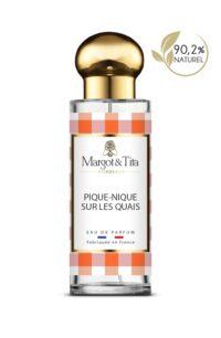 Parfum 30ml Pique-nique sur les quais de la marque Margot&Tita. Senteur florale composée en tête de citron, baies roses, bergamote, ylang-ylang, en cœur rose, jasmin, pivoine, muguet, benjoin et en fond notes solaires, magnolia, civette.