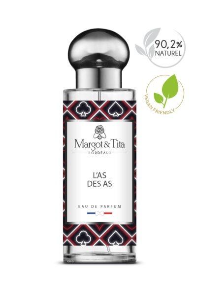 Parfum 30ml L'as des as de la marque Margot&Tita. Une senteur boisée et fruitée composée en tête de bergamote, citron, notes aromatiques, en coeur, pomme, fruits, épices et en fond santal, musc, ambre.